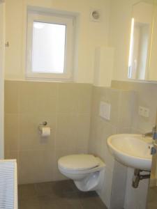 Studio 3 .toilet
